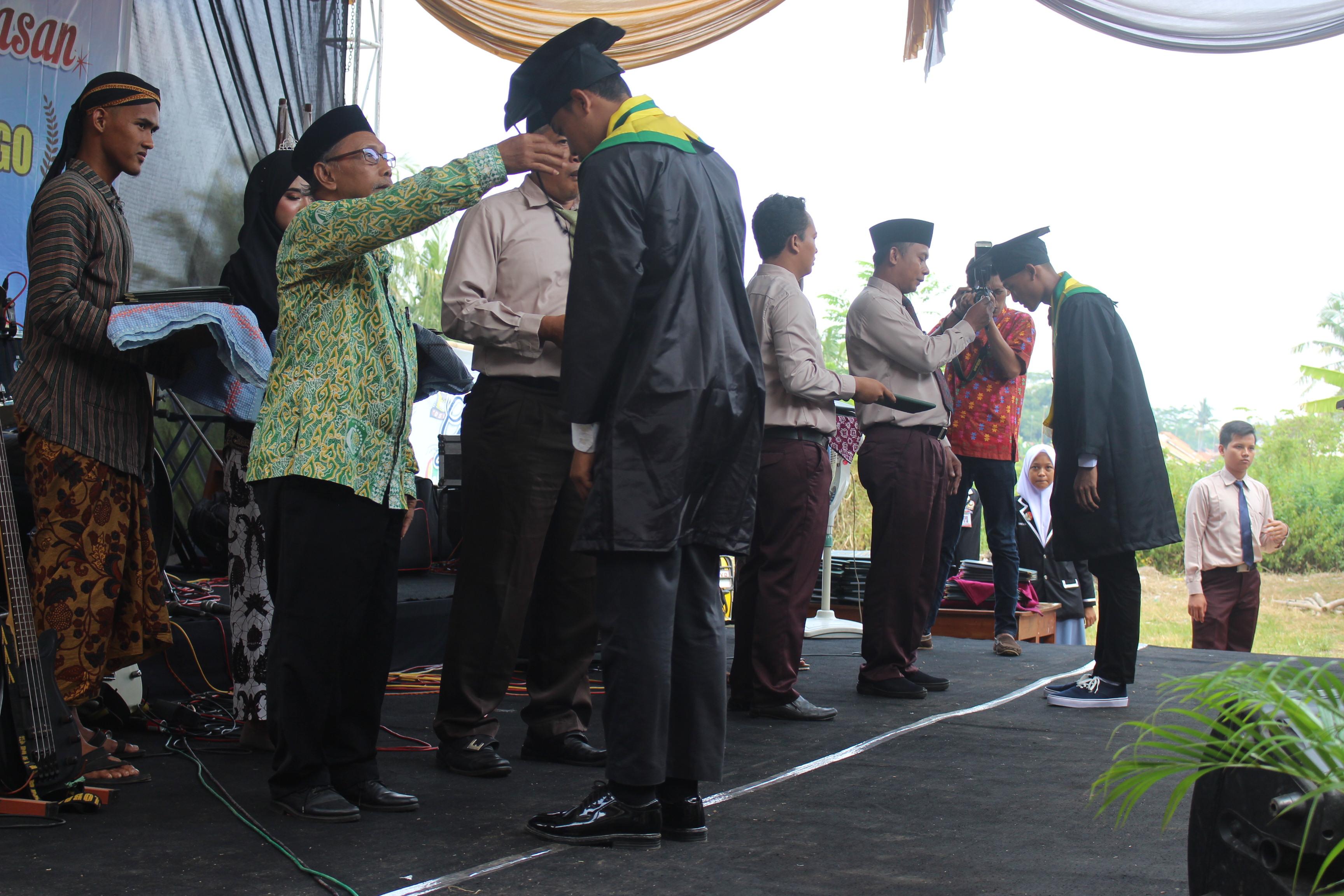 Purna Siswa dan Pelepasan Siswa-Siswi SMK Gondang 2018/2019