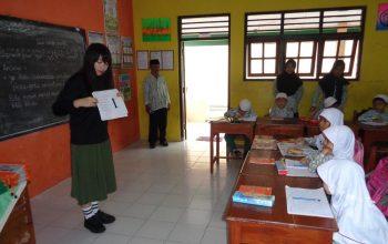 SDIT Gondang Dapat Kunjungan dari Relawan Jepang