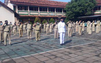 Hanya Diikuti Dewan Guru, Upacara HUT-75 RI SMK Gondang Berlangsung Khidmat