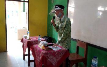 Ketua Umum Yayasan Gondang Berikan Arahan pada Sesi Wawancara Calon Wali Siswa SDIT Gondang